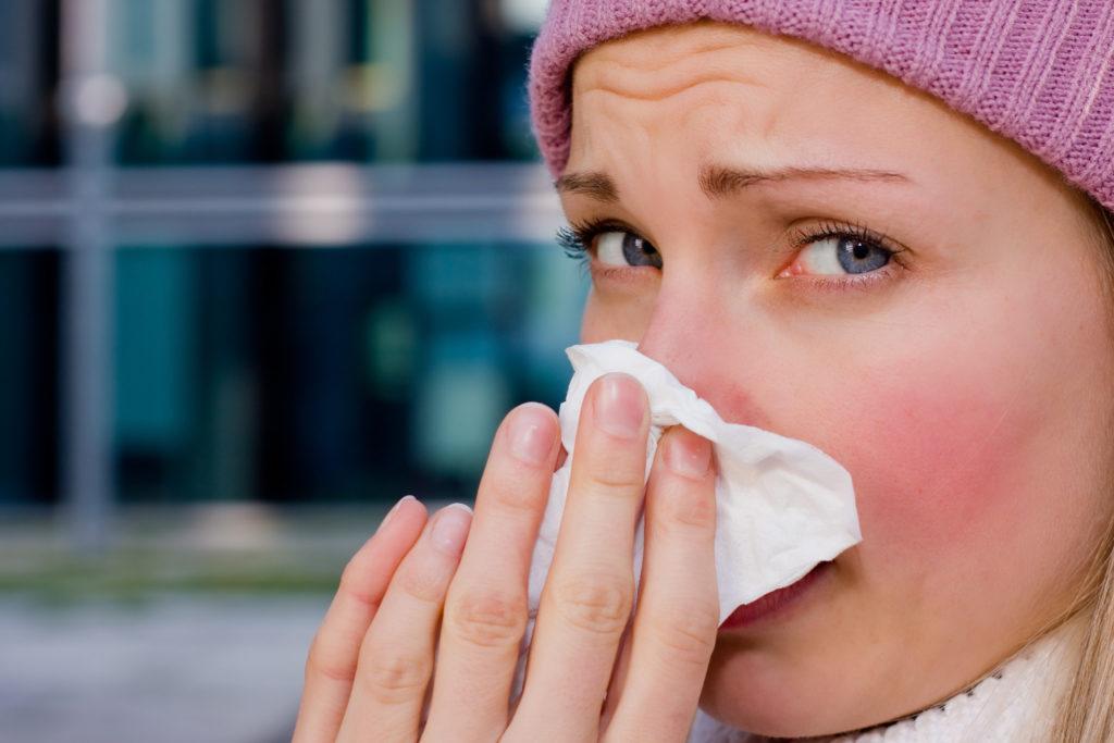 Прополис рекомендован для устранения простудных заболеваний, инфекций из - за своих обеззараживающих свойств